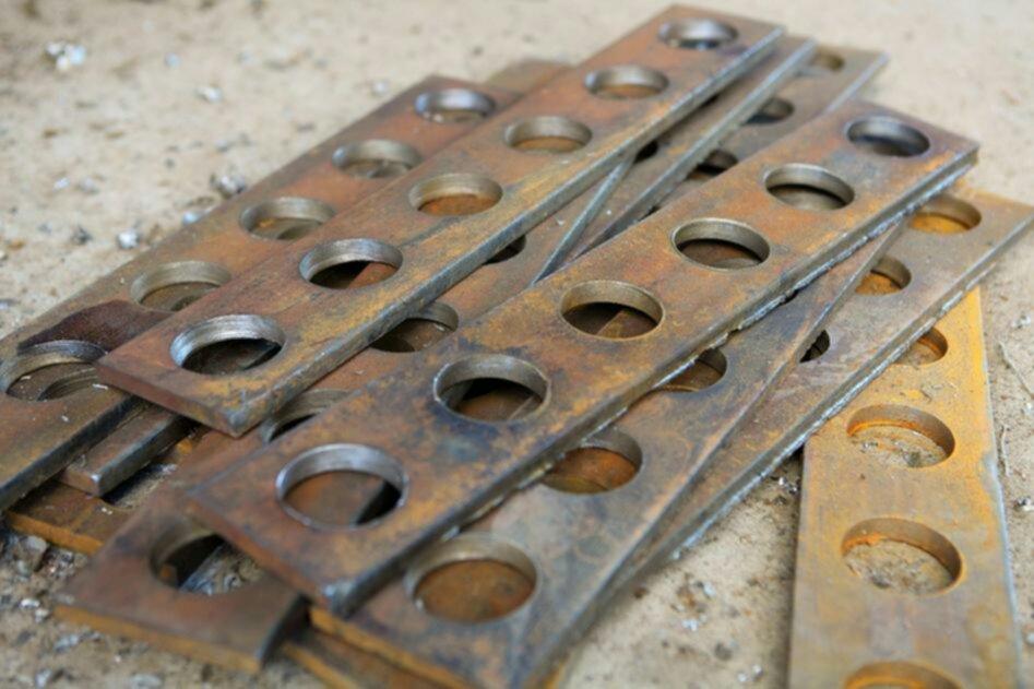 Как сделать отверстие в металле большого диаметра